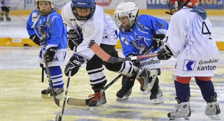 GKB bleibt Hauptsponsorin und Partnerin der Hockeyschule